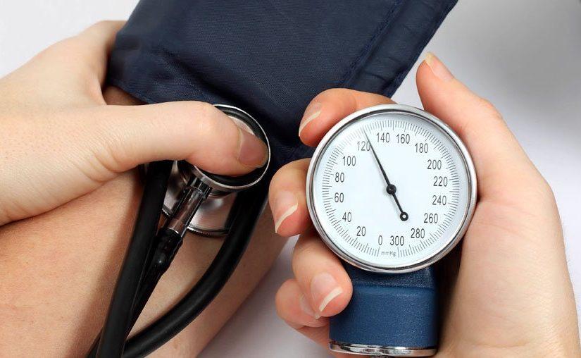 Как снизить давление за несколько минут без лекарств