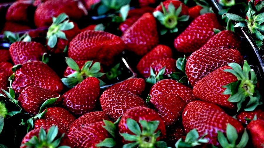 поесть дешевых вкусных фруктов