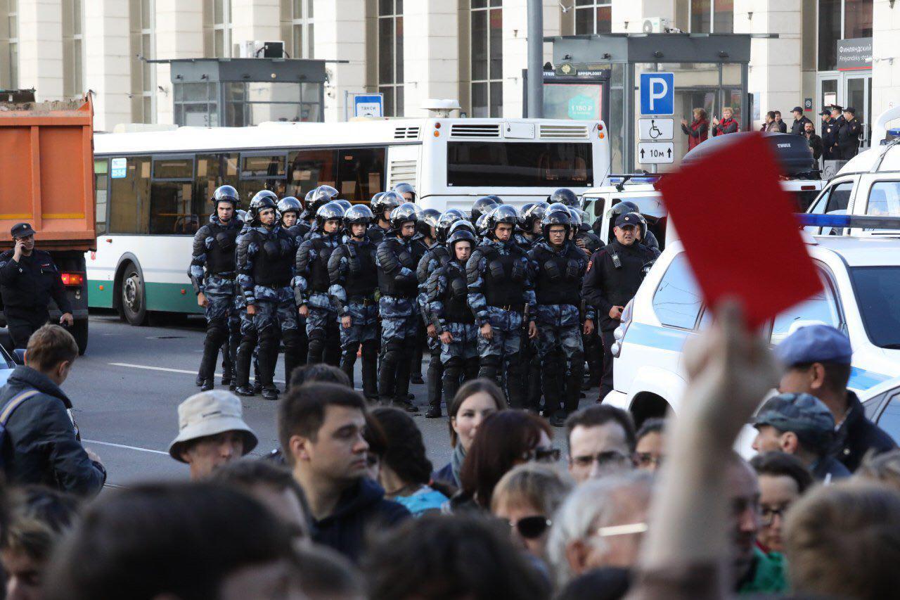 Фото: Давид Френкель Питер продолжает протесты