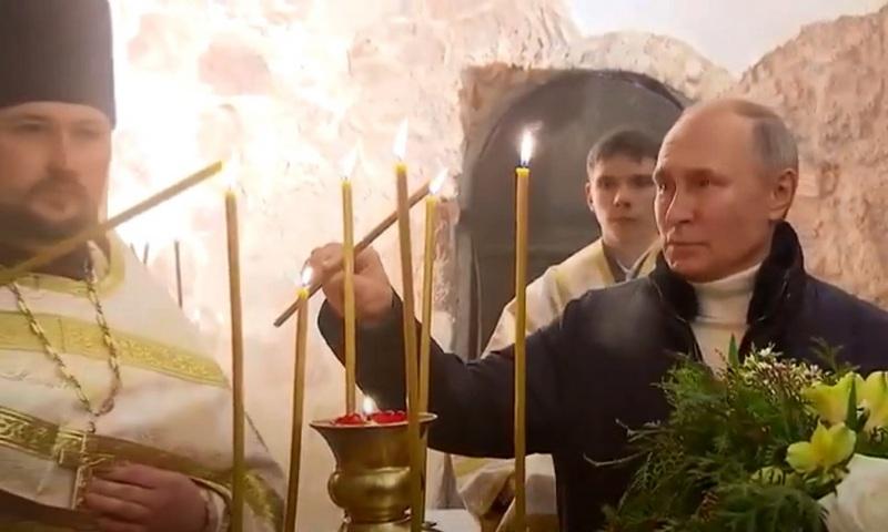 Путин на Рождество